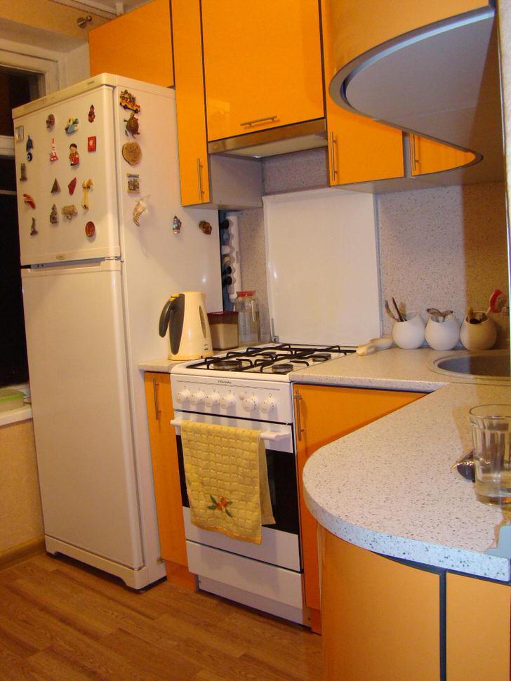 Дизайн 6 метровой кухни с холодильником