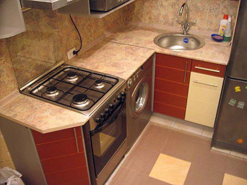 Дизайн маленькой кухни с газов