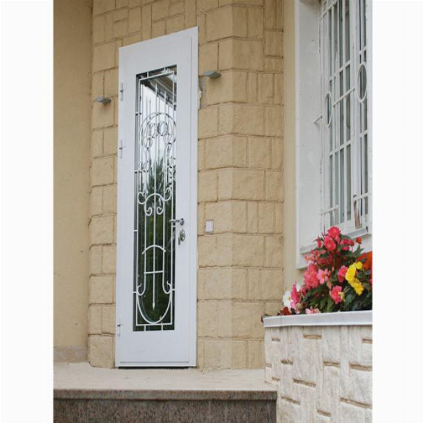 Двери со стеклопакетами придают облику дома оригинальности
