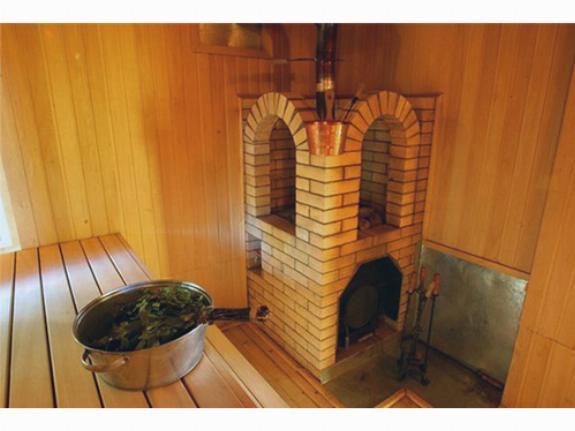 Дымоход для бани бывают двух типов: насадочные и коренные
