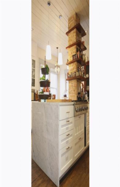 Колонны из кирпича в интерьере кухни