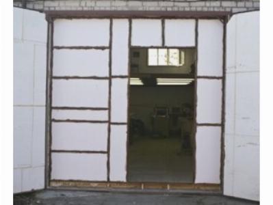Утепленные ворота гаража пенопластом