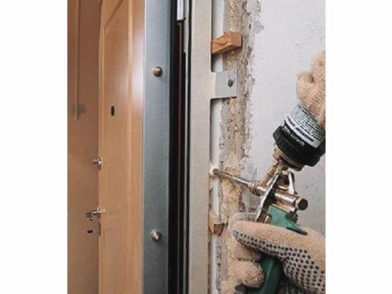 дверь металлическая с одной стороны