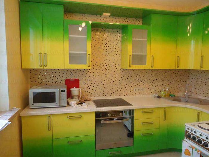 Интерьер кухни в желто-зеленом цвете фото