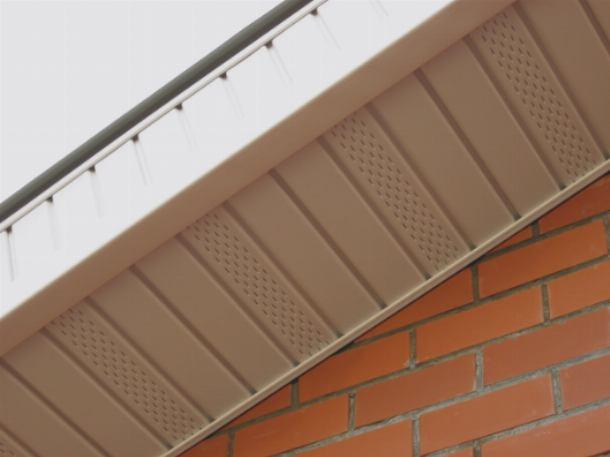 Как просто сделать вентиляцию крыши через подшивку