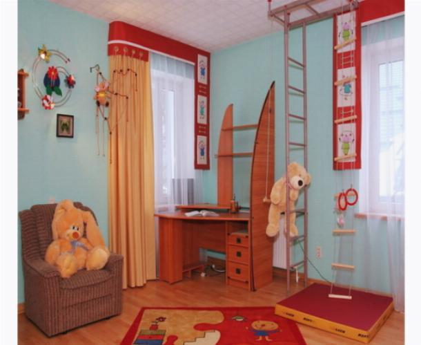 Карниз, как основное украшение окна детской