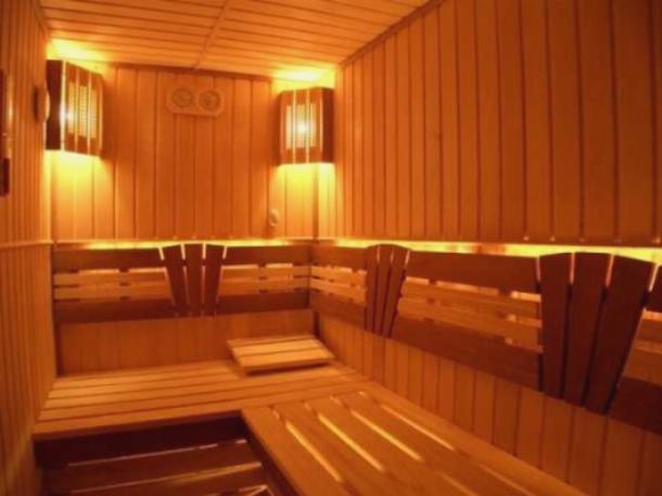 Освещение бани при помощи светильников с лампами накаливания
