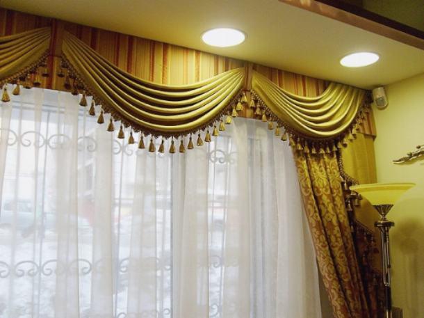 Шторы с ламбрекенами придают помещению особый стиль и шарм