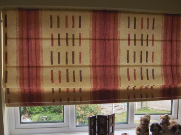 Ткань декоративной жалюзи должна легко собираться при их собирании